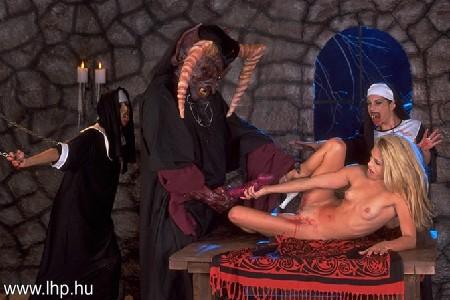 Mature nudist voyeur
