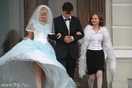 Menyasszony 007