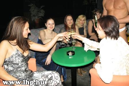 Party, buli 010