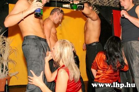 Party, buli 048