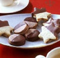 Csokol�d�ba m�rtogat�s